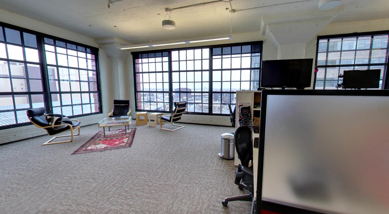Agosto} Office Photo