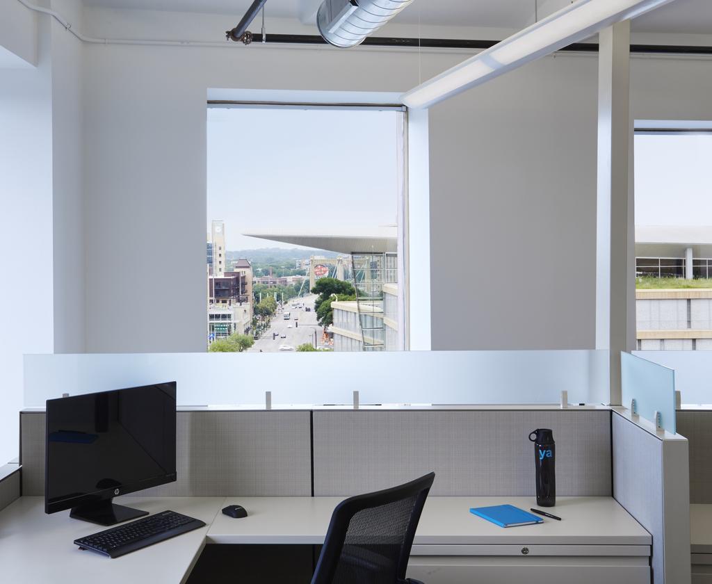ya} Office Photo